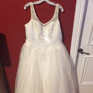 Dresses & Skirts - Wedding Dress Gown
